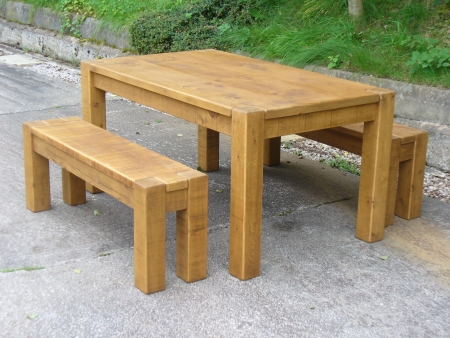 Ordinaire Dining Table Chunky Style