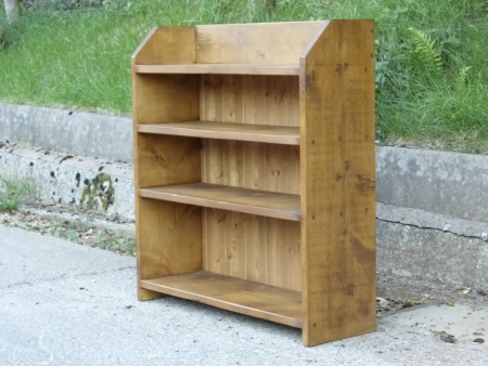 Low Plank bookcase with angled side
